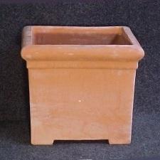 Terracotta bakken en hoek- en wandpotten